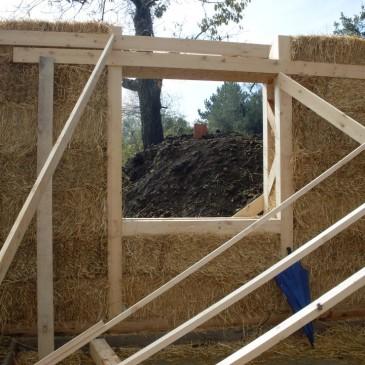 Paglia, dopo il legno e prima dell'argilla